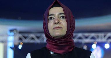 الإعلام الهولندى: الشرطة ترافق الوزيرة التركية وترحيلها إلى حدود ألمانيا