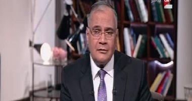 """سعد الدين الهلالى يرقى عمرو أديب على الهواء ببرنامج """"كل يوم"""""""