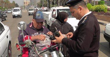 ضبط 290 مخالفة مرورية عند مطالع ومنازل الكبارى بالقاهرة الكبرى