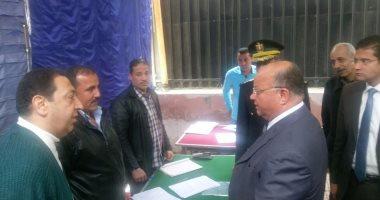 بالصور.. مدير أمن القاهرة يتابع إجراءات تلقى طلبات حج القرعة بأقسام الشرطة