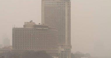 عاصفة ترابية تضرب القاهرة والجيزة