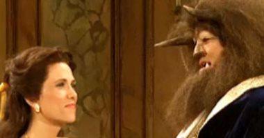 """بالفيديو..كريستين ويج وجيرارد بتلر يسخران من """"الجميلة والوحش"""" فى """"SNL"""""""