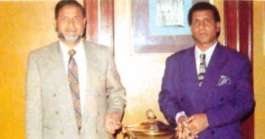 شاهد.. صورة نادرة للشيخ طه إسماعيل مع ملك النص