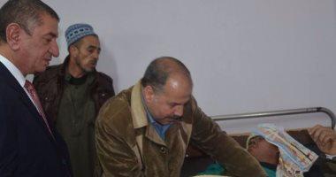 بالصور.. محافظ كفر الشيخ يطمئن على مصابى ملتقى التوظيف بمستشفى العبور