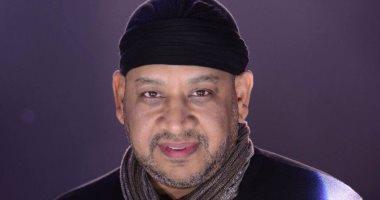 عصام كاريكا يعتذر لملك وشعب المغرب بعد أغنيته