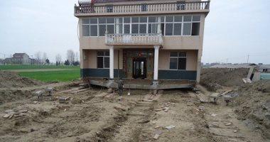 منزل المواطن الصينى بعد نقله 150 متر