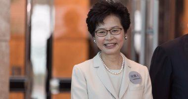 رئيسة هونج كونج التنفيذية تعد بمعالجة مشكلة ارتفاع أسعار العقارات