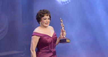تكريم لبلبة فى ختام مهرجان نقابة المهن التمثيلية عن مجمل أعمالها