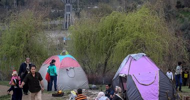 بالصور.. إيران تحيى يوم الطبيعة فى الحدائق لطرد النحس