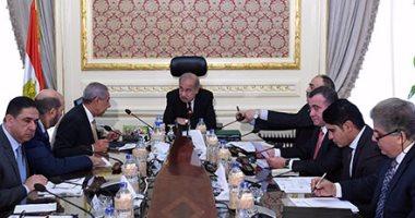 بالصور.. رئيس الوزراء يجتمع مع عدد من المستثمرين لبحث النهوض بصناعة الحديد