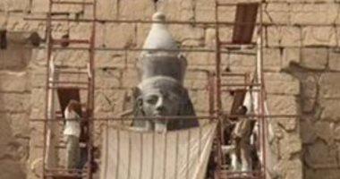 الآثار تتحدى وترمم اكبر تمثال لرمسيس الثانى تمهيدًا لنقله فى معبد الأقصر