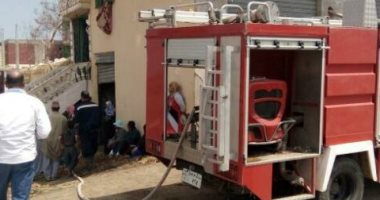 نشوب حريق بسيارة نقل داخل الوحدة المحلية فى مدينة منوف