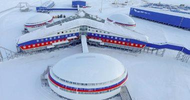 بالصور.. شاهد قاعدة عسكرية روسية عجيبة فى القطب الشمالى تظهر لأول مرة