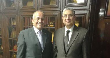 وزير الكهرباء يلتقى سفير الأردن بالقاهرة لبحث مجالات التعاون