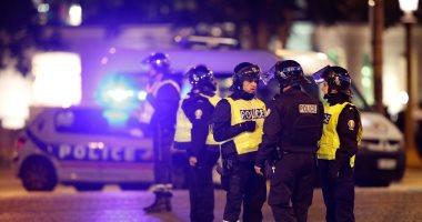 رويترز: الشرطة الفرنسية تلاحق مشتبها فيه معروف على علاقة بهجوم باريس أمس