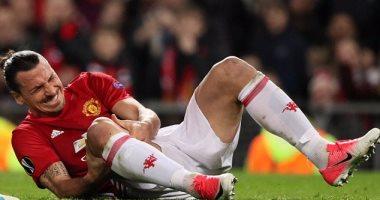 سكاى سبورتس: انتهاء موسم إبراهيموفيتش بسبب إصابة الركبة