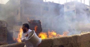 رئيس مدينة القرين بالشرقية يتفقد موقع حريق مخزن أخشاب لحصر التلفيات