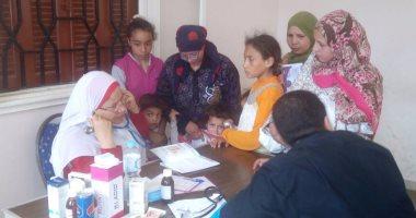 بالصور.. الكشف على 525 حالة فى قافلة طبية لجامعة الإسكندرية بالبحيرة