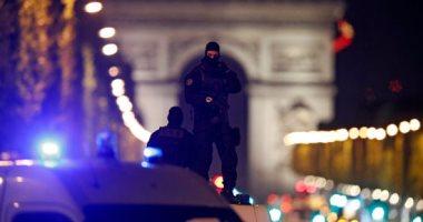 الشرطة الفرنسية ترجح تعمد حادث الشانزليزيه