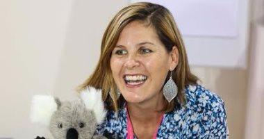 الكاتبة الأكثر مبيعا فى أستراليا تسرد القصص لأطفال مهرجان الشارقة