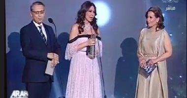 """إليسا بعد حصدها 3 جوائز بـ""""الموسيقى العربية"""": جوائزى كثيرة وبيتى لا يسعها"""