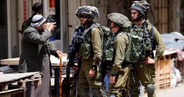 الاحتلال الإسرائيلى يحتجز طاقما تابعا لتليفزيون فلسطين على حاجز قرب نابلس