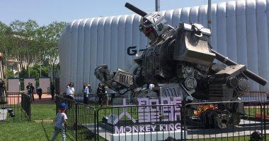 الصين تدخل عالم الروبوتات القتالية وتطلق رجلا آليا عملاقا
