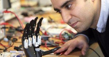 علماء يطورن يدًا آلية ذات إحساس طبيعى