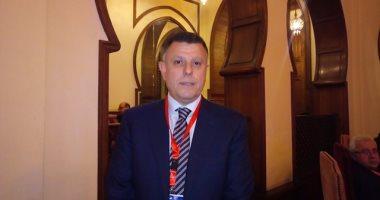 رئيس جامعة عين شمس يتفقد امتحانات الفرق النهائية ويؤكد على الالتزام بالتباعد الاجتماعى
