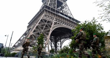 إغلاق برج إيفل بسبب تساقط الثلوج فى فرنسا