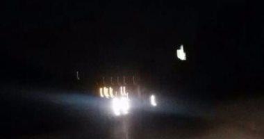 قارئ يشكو من الظلام الدامس بشارع مدرسة البارون بالهضبة الوسطى ويطالب بإضاءته