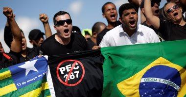 بالصور.. تظاهرات لحراس السجون بالبرازيل احتجاجا على قانون المعاشات التقاعدية
