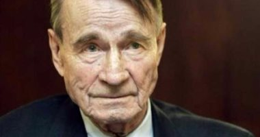 وفاة ماونو كويفيستو رئيس فنلندا السابق عن 93 عاما