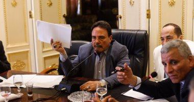 """رئيس القوى العاملة بالبرلمان مطالبا بتشديد رقابة الأسواق: """"الناس بتكح تراب"""""""
