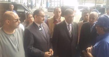 النائب محمد الغول يسلم وزير قطاع الأعمال مشروعا لإنشاء محطة طاقة شمسية بنجع حمادى
