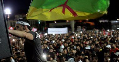 آلاف المغاربة يتظاهرون فى الدار البيضاء للمطالبة باطلاق سراح معتقلى الريف