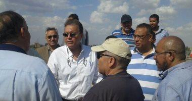 وزير النقل يتفقد الدائرى ويطالب بتدعيم إنشاءات كوبرى المريوطية