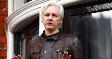 محامية مؤسس موقع ويكيليكس تناشد دونالد ترامب العفو عنه