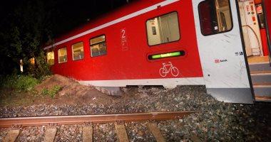 مصرع شخص وإصابة آخر إثر اصطدام قطار بسيارة فى باكستان