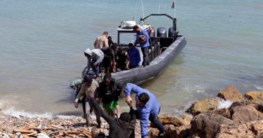 حرس السواحل الليبى: إنقاذ 104 مهاجرين غير شرعيين بينهم 4 مصريين