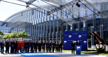 سكرتير عام حلف الناتو: هناك فرصة فريدة لتحقيق السلام فى أفغانستان