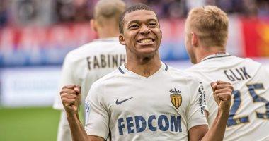 مبابى يختار اللعب لريال مدريد أو البقاء فى موناكو