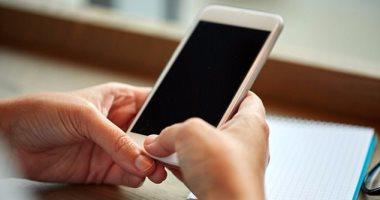 انتشار التهاب أوتار وعظام أصبع الإبهام بسبب الإفراط فى استخدام الموبايل
