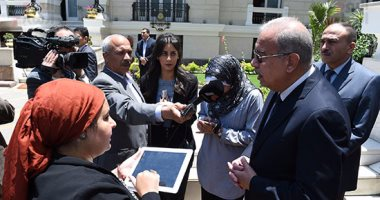 رئيس الوزراء يغادر مجلس النواب.. ووزير المالية يواصل اللقاء مع على عبدالعال