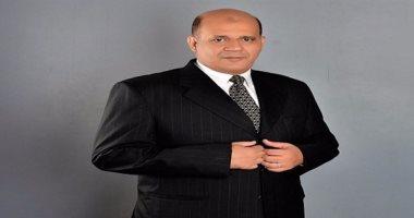النائب طارق متولى يطالب بتدريب شباب مشروع عربات الطعام المتنقلة
