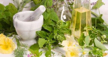 استخدم الطب البديل فى علاج السعال بالأعشاب والوصفات الطبيعية