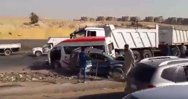 مصرع شخصين وإصابة آخر إثر حادث تصادم سيارتين نقل فى أطفيح