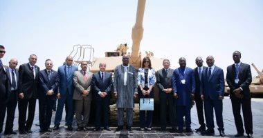 بالصور.. رئيس بوركينا فاسو يزور مصنع المدرعات التابع للإنتاج الحربى