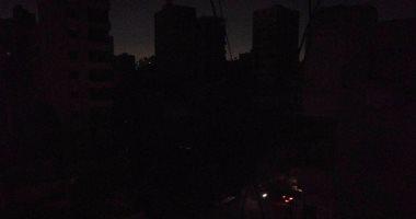 الأهالى يشكون من انقطاع الكهرباء بشارع 4 بالحى الرابع فى التجمع الخامس  -