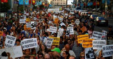 الآلاف يتظاهرون فى مدريد احتجاجا على سياسة الحكومة إزاء كتالونيا